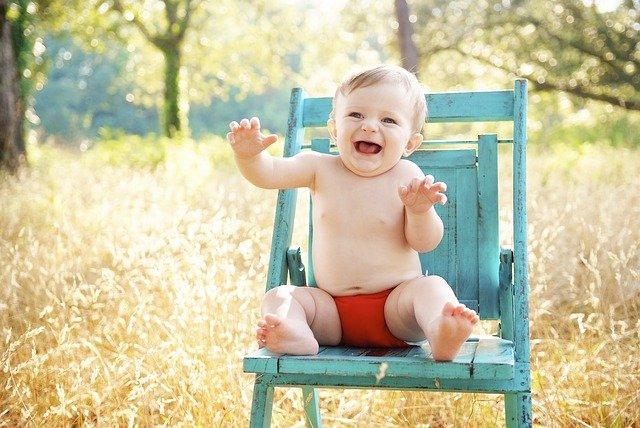 giocare con il neonato