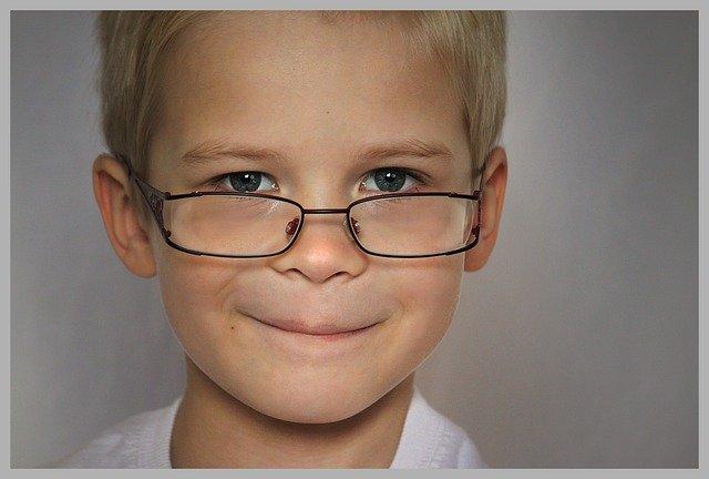bambino ipermetrope