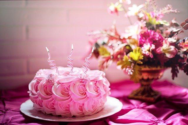 augurare buon compleanno frasi più belle