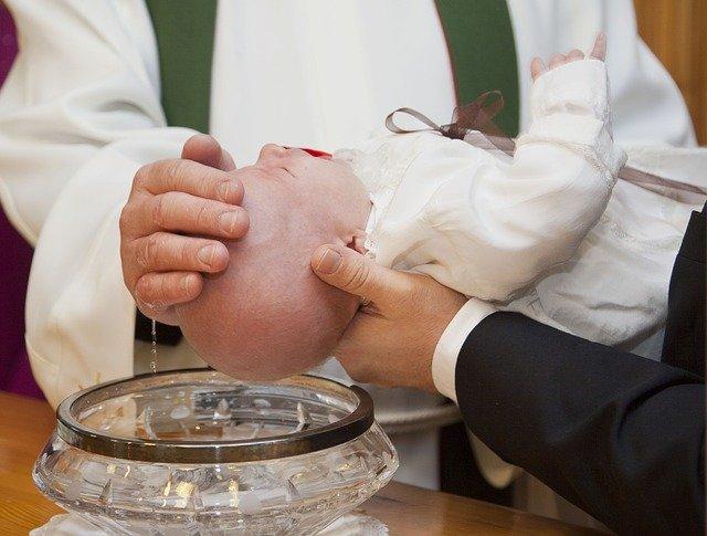 battesimo per infusione