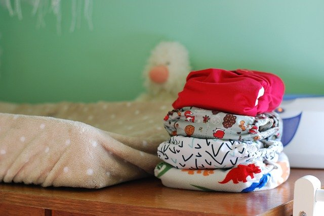 neonato senza pannolino
