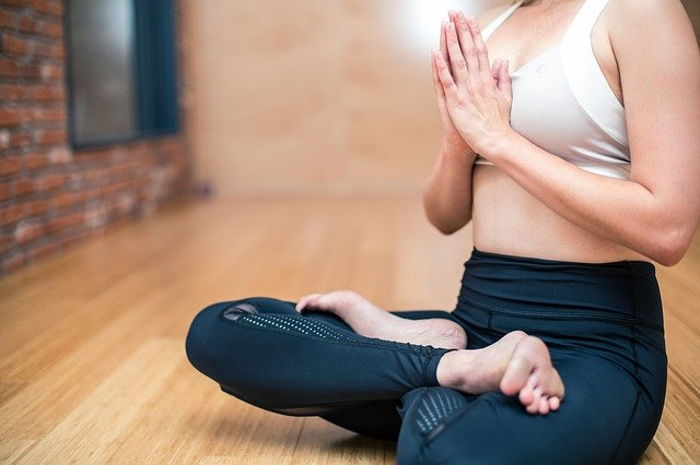 benefici yoga in gravidanza